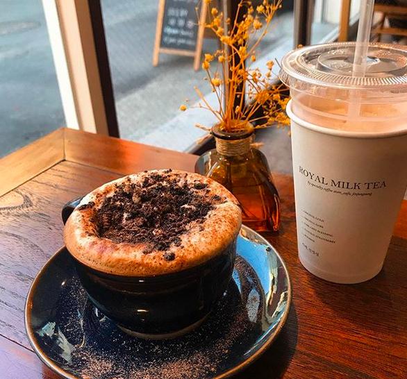 6月のコーヒー(유월커피)